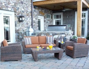 Outdoor-patio-image-for-ADK-blog-reposition-furniture