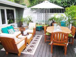 Outdoor-patio-image-for-ADK-blog-rug