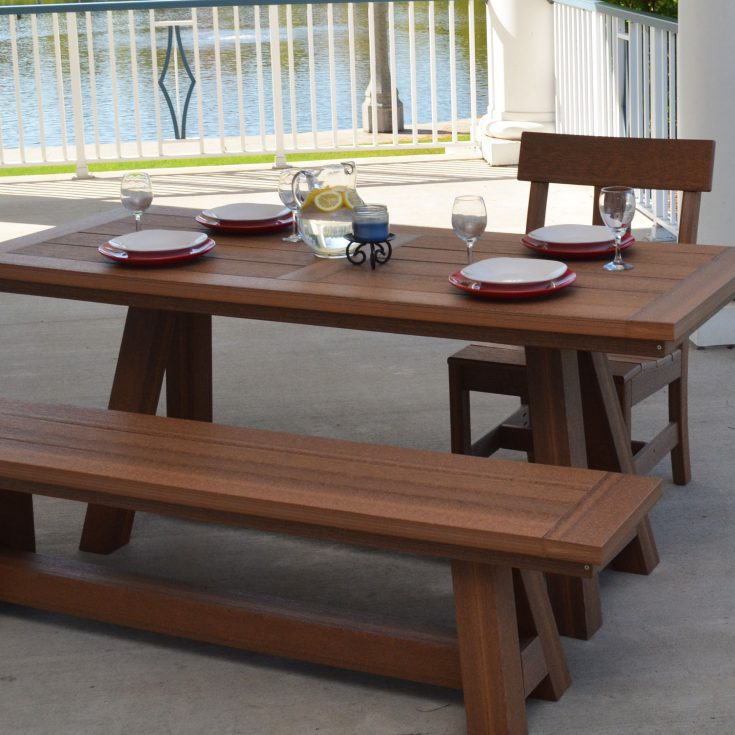 Montauk Collection Bench in Dining Set
